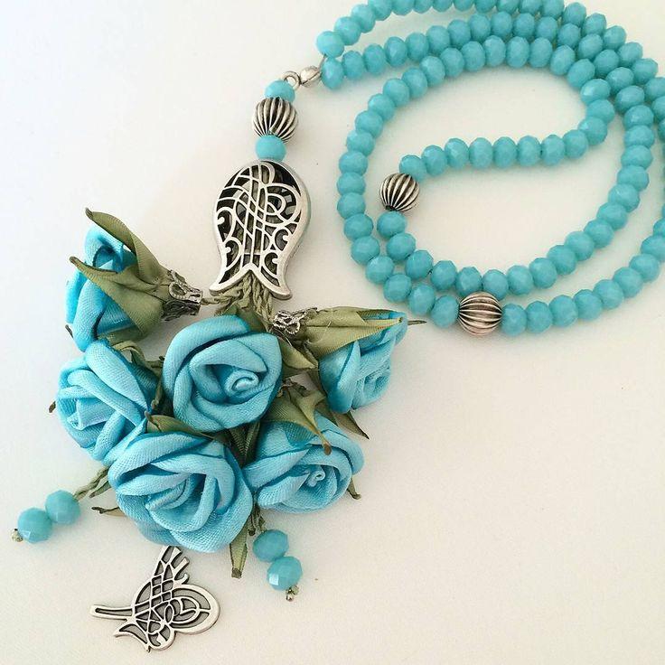 #çeyizlik #hediyelik #elyapimi #kurdale #tasarim #kristal #tesbihler#islamicgifts #rosary #tesbihsüsleme #misbah #sibha #handmaderoses#handmade flowers#prayingrosary #nişan #düğün #düğünbohçası #mevlithediyesi #namaz #dua #zikir