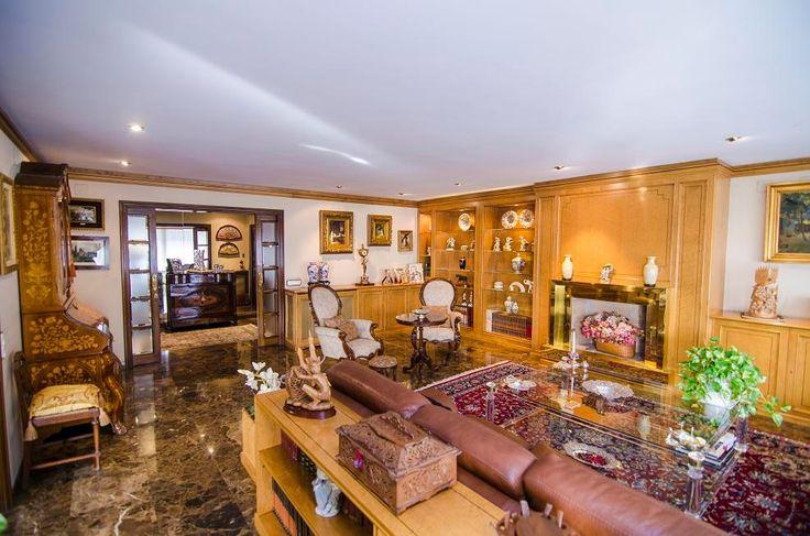 ¡Tu ático de lujo💎, está en esta magnífica finca señorial!  319m2, 4 (2suite+vestidor), 3 baños, zonas comunitarias, etc.    ¡Ven a verlo!😍      ☎ TC FLATS: 934 145 236 - info@tcflats.com  http://qoo.ly/g7t5g