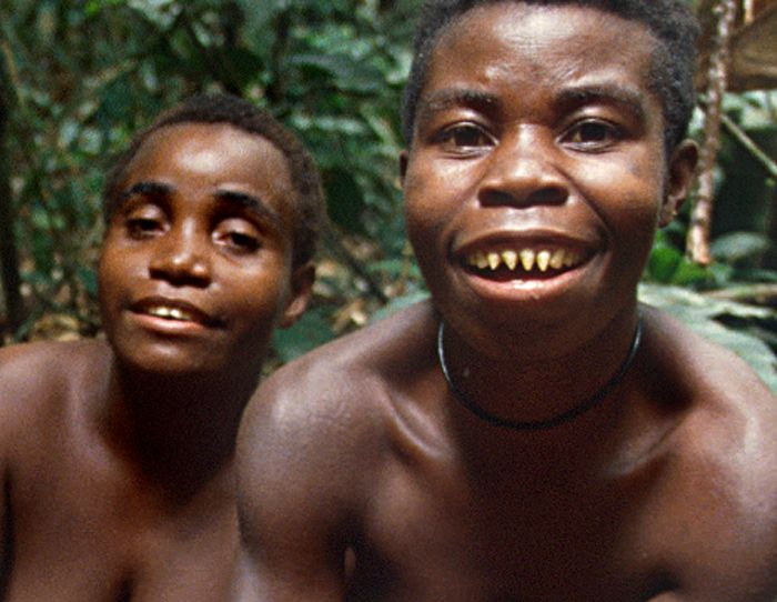 Congolese pygmy women with sharpened teeth | Tous les ... Pygmy People Teeth