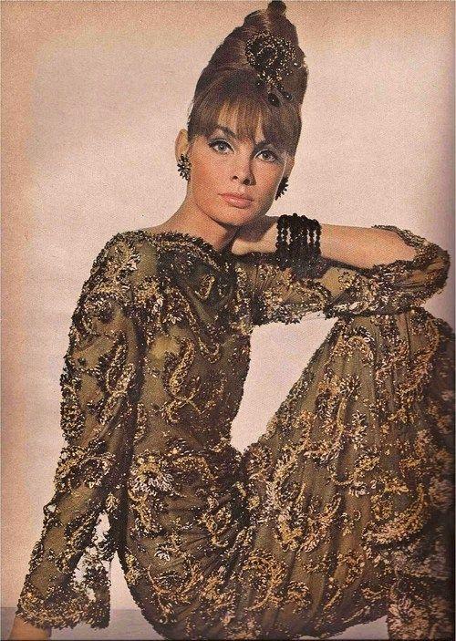 Jean Shrimpton - Vogue November 1963 http://chelseavose.wordpress.com