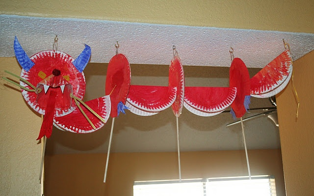 paper plate dragon for #chinesenewyear