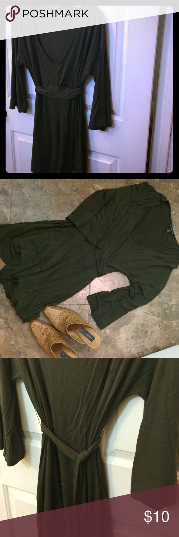 Banana Republic tunic Dark olive color tunic from banana republic is perfect for leggings or jeans! Stretch fabric and belted waist. Banana Republic Tops