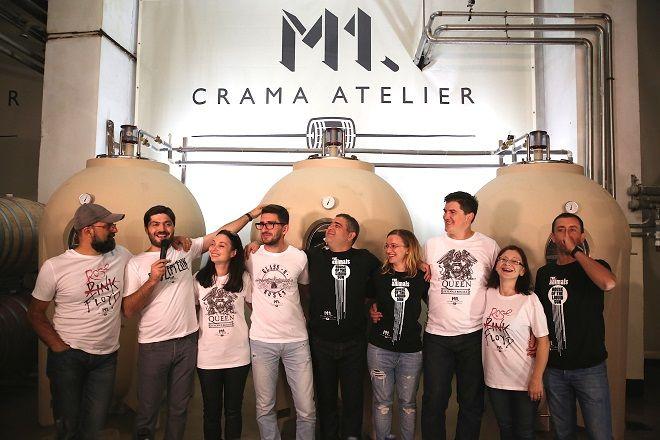 """2014.10 - Cu ocazia lansarilor de toamna, am prezentat audientei si prima colectie """"Wine Rulz"""". Tricourile """"Wine Rulz"""" ;). #cramaatelier #M1eveniment"""
