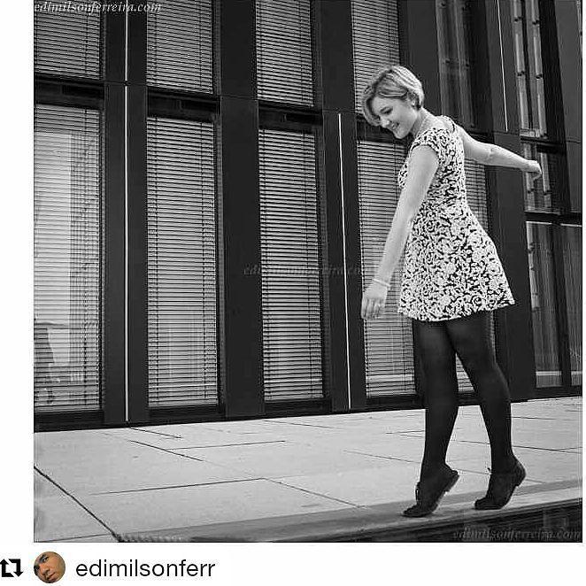 A vida é uma corda bamba mesmo assim pode ser divertida muitas vezes.... Foto do meu irmãozinho que está lá longe... #Repost @edimilsonferr with @repostapp  Düsseldorf Germany 2015 #streetphotography