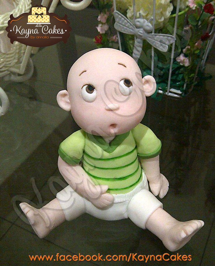 Baby Raphael's huge cake figure