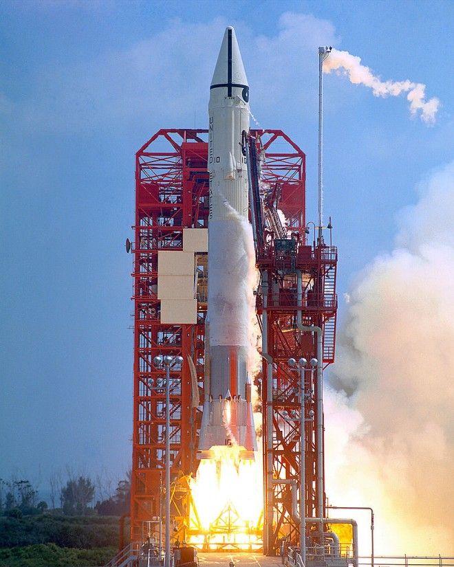Surveyor 1 launch on an Atlas-Centaur rocket (30 May 1966). Image: NASA