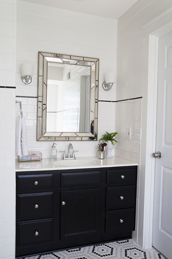 Custom bathroom vanity home depot woodworking projects for Custom made mirrors for bathrooms