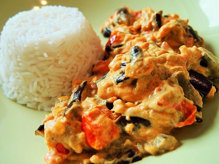 Auberginen-Curry mit Joghurtsauce, ein leckeres Rezept aus der Kategorie Vegetarisch. Bewertungen: 111. Durchschnitt: Ø 4,5.