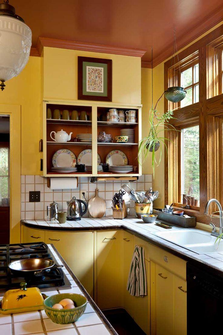 Ah ces deux couleurs ! Jaune et rouille pour une ambiance chaleureuse dans sa cuisine.