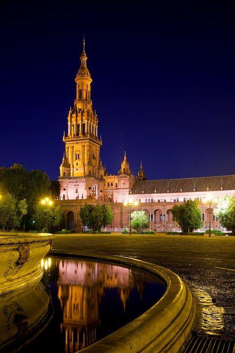 Spain tours - Plaza de Espana. Sevilla. Spain travel