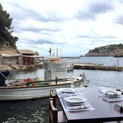 El Bigotes - San Carlos, Balears, Spain. S'il y a un seul endroit sur cette île plus charmant que celui-ci, que l'on m'y expédie de suite :-)