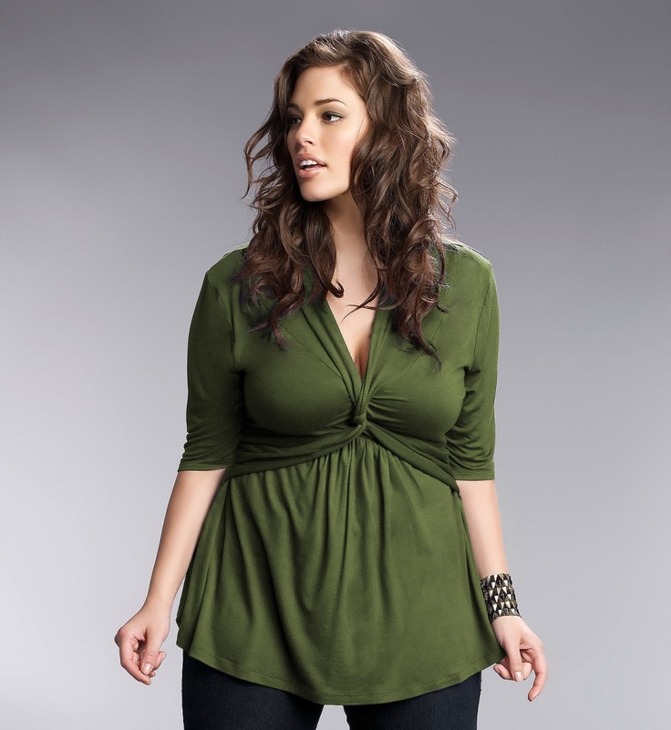 loving this green twist top