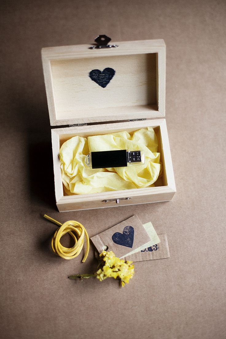 Wedding usb drive packaging / by ChairYourLife: