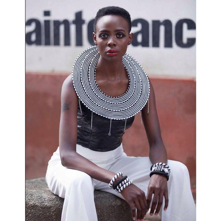 Maasai statement collar by @ntozinhle_accessorize