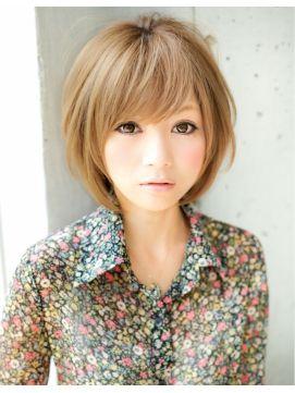 アフロート ジャパン AFLOAT JAPAN 前髪&顔周りのカットで小顔にみせるボリュームショートヘア