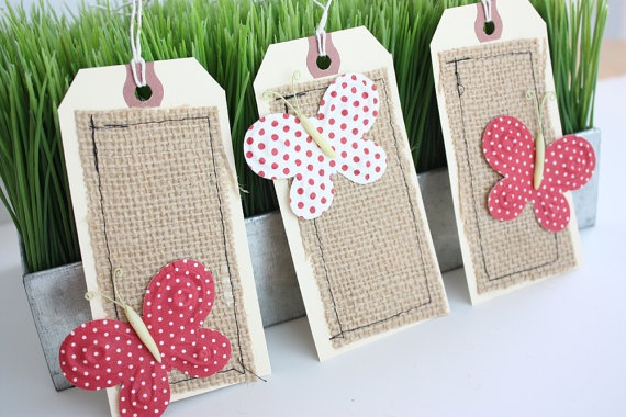 Butterflies and Burlap Tags - Mooie labels met vlinders