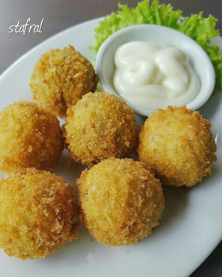 Chicken Bitterballen, Price: Rp.20.000/portion. Photo by: @stanzazone