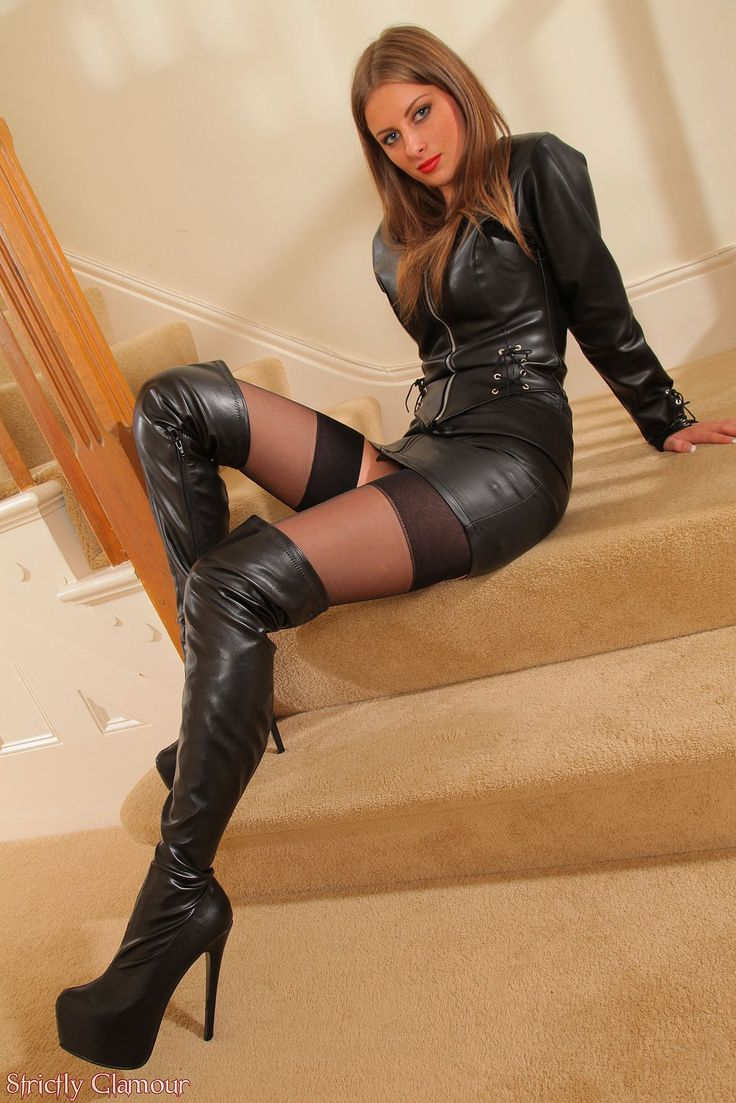 Women In Sexy Boots Pictures 42