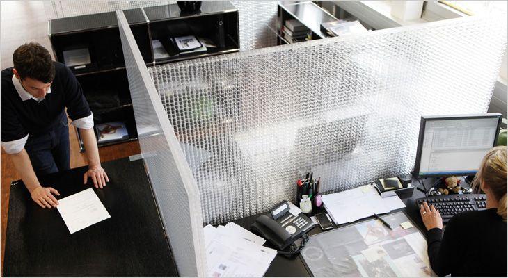 Rosso CP30 acoustic transparent desk screen. Gennemsigtig akustisk bordskærm.