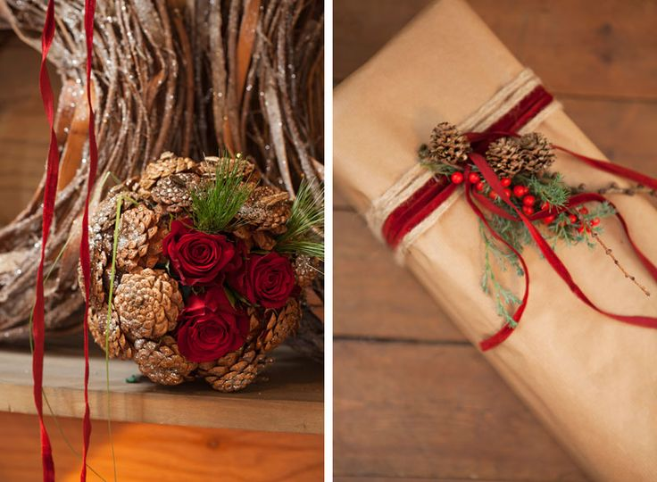 Kule av kongler og roser. Pynt pakkene med bånd og små dekorasjoner