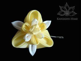 Yellow and White Iris Kanzashi by Kanzashi-Hime