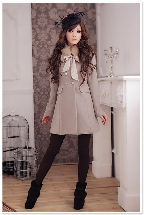 love this. Bows Ties, Style, Ladies Fashion, Vintage Fashion, Winter Outfits, Camel Coat, Cute Outfit, Black Tights, Winter Coats