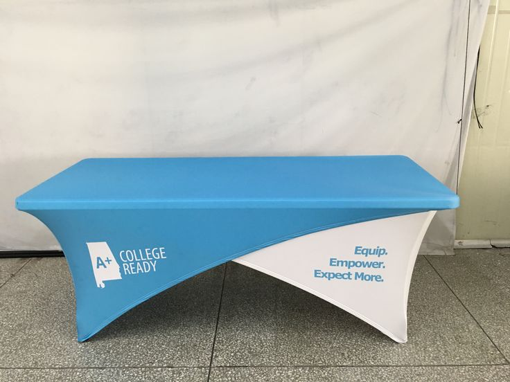 Crossover tablecloths are on the rise! Stand out at your next event with these interchangeable cloths 🛎 #ohmyprint #printing #fabric #vancouver #canada #tablecloth #usa🇺🇸 #crossover #fabricprinting #tensionfabric