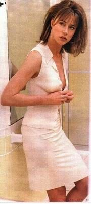 Jayne Brook. Starred in Kindergarten Cop' and 'Don't Tell Mom the Babysitter's Dead'