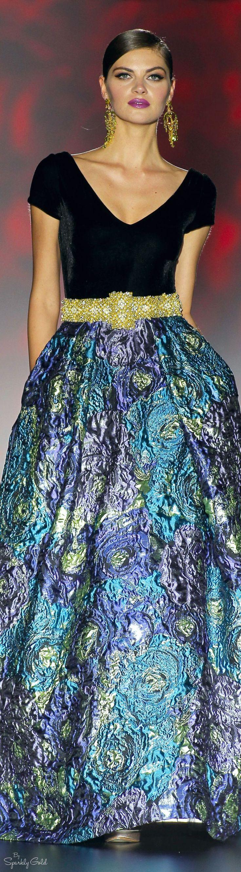 Patricia Avendaño 2016 .......this skirt reminds me of a Van Gogh painting...... jαɢlαdy