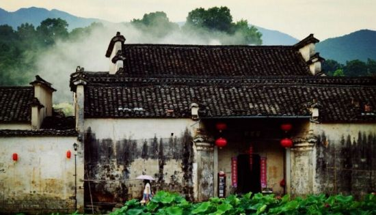 The ancient villages in south Anhui is very attractive and best places to appreciate the ancient Chinese culture. So don't miss it for your China travel (http://www.chinatour.com)