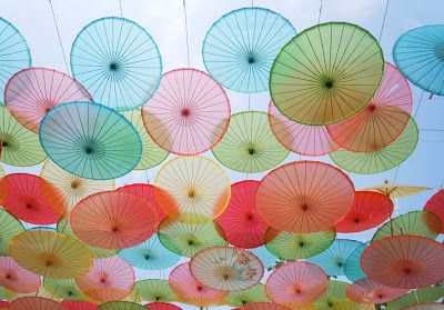 Ready to China, China Story Sharing : Chinese Folk Art Story: Oiled Paper Umbrellas