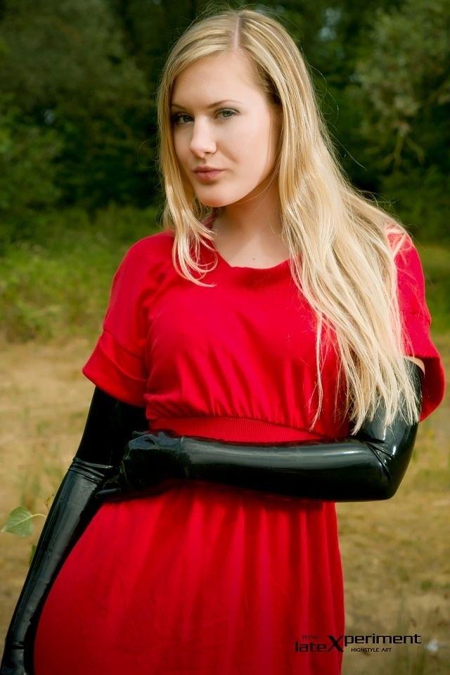 Model: Ankha van Ayken | Lovely Latex | Black latex gloves ...