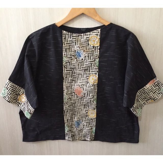 Temukan dan dapatkan Atasan/blouse lurik tenun hanya Rp 137.000 di Shopee sekarang juga! http://shopee.co.id/imanggoethnic/298433063 #ShopeeID