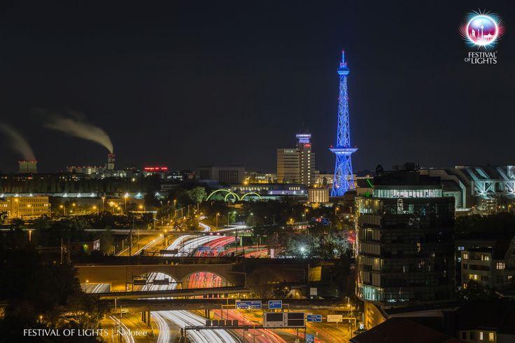 https://flic.kr/p/M9bij4 | Funkturm/Rundfunk Berlin-Brandenburg @ FESTIVAL OF LIGHTS 2016 | Funkturm and the Rundfunk Berlin-Brandenburg during FESTIVAL OF LIGHTS 2016  #Beleuchtung #Berlin #Fairground #Festival of Lights #FoL #Funkturm #Germany #Illumination #Lighting #Lightseeing #Messegelände #RBB #Radio-Berlin-Brandenburg #Radio-Tower #Sight #Sightseeing #VisitBerlin #Zander&Partner