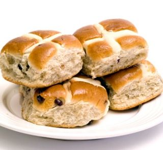 Healtheries delicious gluten-free hot cross buns | Healthy Food Guide
