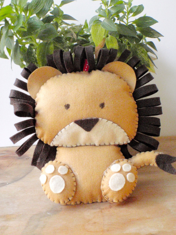 Lion Stuffed Animal. Being sold on Etsy for 25$. What a rip! I could make this myself!