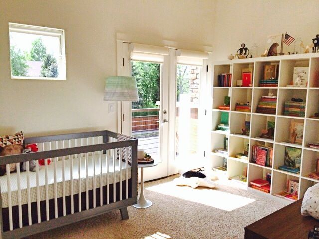 Going gender neutral? We love the idea of creating a book-themed #nursery!: Nurseries Bookshelf, Book Them Nurseries, Projects Nurseries, Nurseries Modern, Modern Nurseries, Gender Neutral Nurseries, Literary Nurseries, Literary Inspiration Modern, Kids Rooms