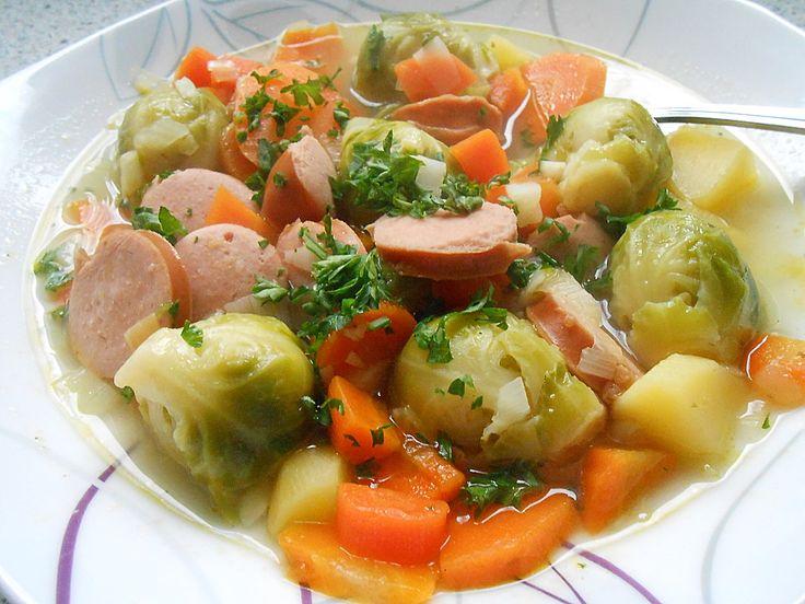 Deftige Rosenkohlsuppe, ein schmackhaftes Rezept aus der Kategorie Kochen. Bewertungen: 14. Durchschnitt: Ø 4,3.