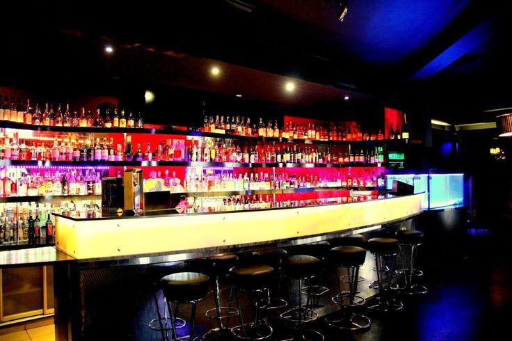 Klub nocny Warszawa jak New Orleans ma w swojej ofercie bardzo szeroki wybór alkoholi, szczególnie whisky z całego świata, która smakuje wybornie.