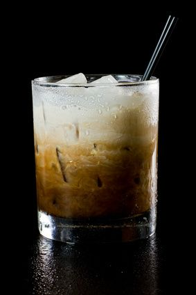 Always a crowd-pleaser for winter cocktail parties! –White Russian Winter #Cocktail Recipe