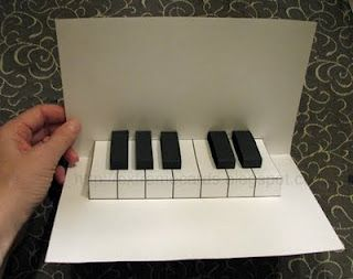 Easy Piano Pop Up Card- I want to try this!!
