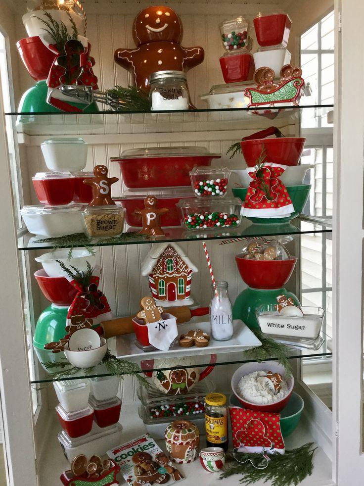 "Pyrex; 2016 Christmas display ""Gingerbread Man Love"" ❤️❤️"