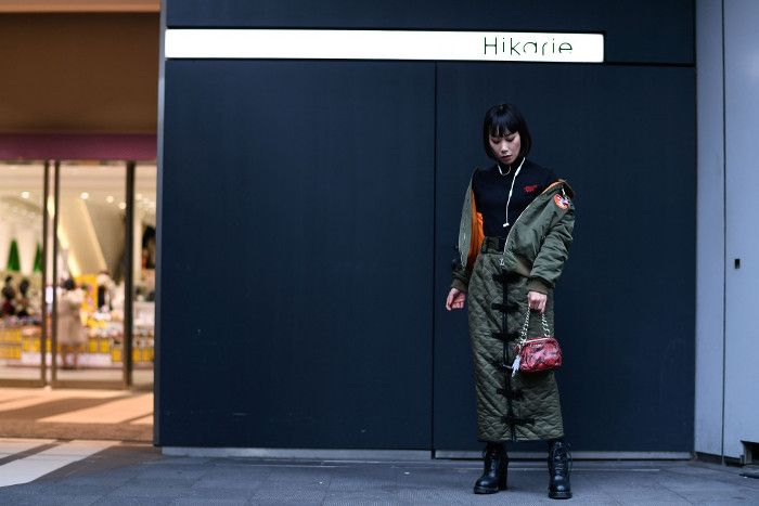 Street Style Highlights From Tokyo SS 2018 FW stylish couple jacket and skirt coordinates