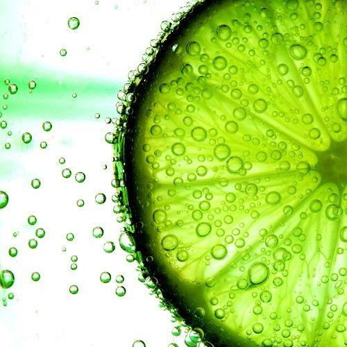 El limón es un gran aliado en las mascarillas contra el acné.
