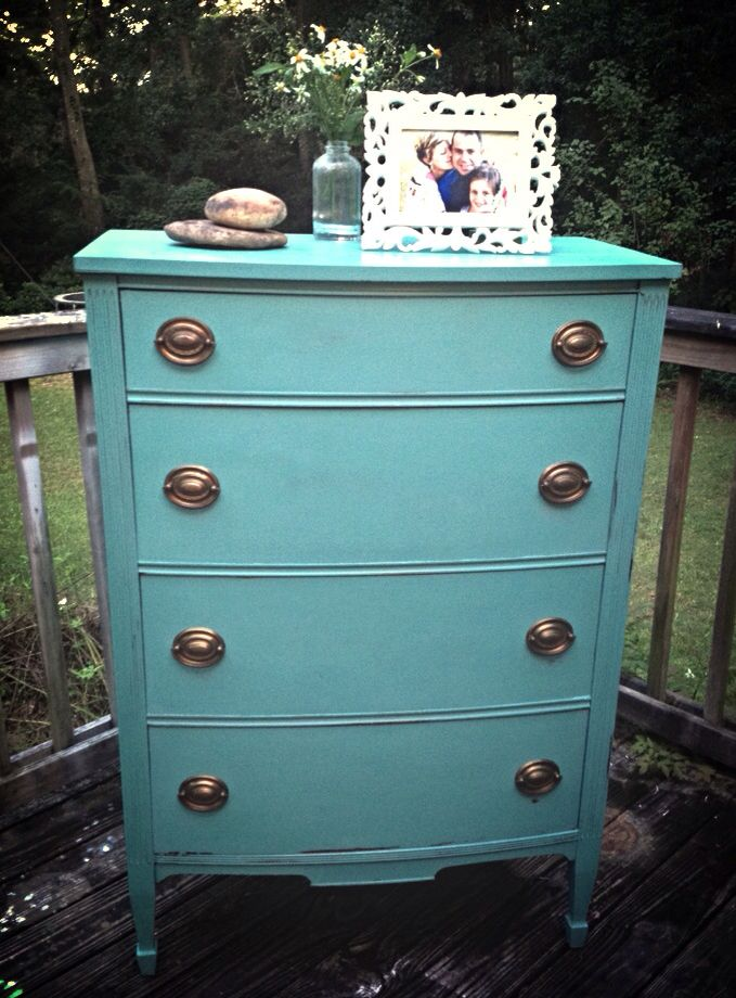 Chalk paint Provence and Florence mix on a Duncan Phyfe style dresser. https://www.facebook.com/woodjunkies