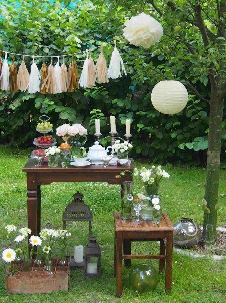 Die besten 25 hochzeitsfeier drau en ideen auf pinterest gartenhochzeit gartenfeier und - Gartenfeier deko ...