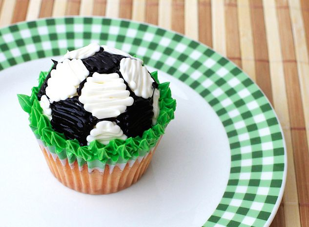 World Cup Soccer Ball Cupcakes! @Ellen Page Marie and @Julie Lee : )