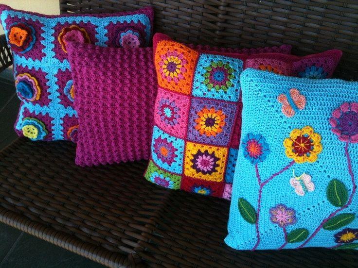 Conjunto capas para almofadas em croche, 03 em tamanho 45x45 e 01 retangular, linha 100% algodão