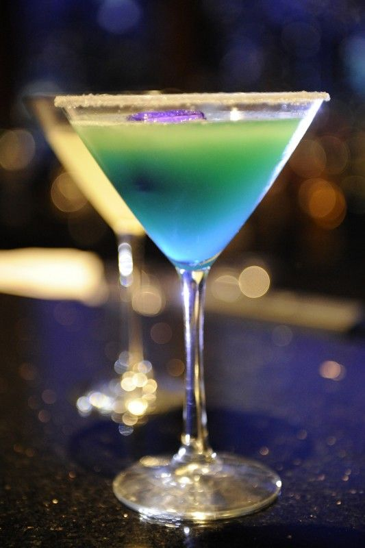 """The """"Chicago Blues"""" is Jack Daniels Whiskey, Peach Schnapps, Cointreau, Freshly Squeezed Lime Juice, and a sugared rim. (signature drink maybe)"""