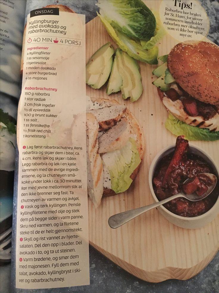 Kyllingburger med avocado og rabarbra chutney